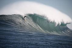 Gnarly Dungeons (off Cape Town), 5 August 2013. CrazyDropwave.jpg (1417×945)