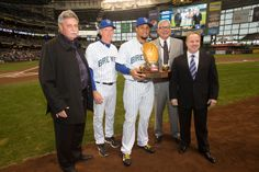 Congrats to Carlos Gomez on receiving his 2013 Rawlings Gold Glove! Gold Gloves, Baseball Pictures, Milwaukee Brewers, Tailgating, Wisconsin, Fangirl, Hardware, Boys, Places