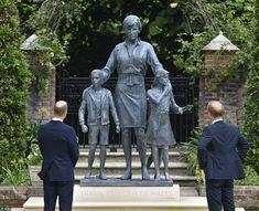 Lady Diana, Oprah Winfrey, Windsor, Mother Memory, Lady Sarah Mccorquodale, Diana Statue, Prinz William, Handmade Crafts, Saints