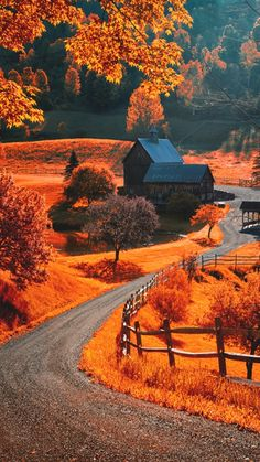 The world famous Sleepy Hollow farm near Woodstock, Vermont. Photo by Allard Schager Beautiful World, Beautiful Places, Beautiful Pictures, Simply Beautiful, Autumn Scenes, Fall Pictures, Fall Pics, Belle Photo, Beautiful Landscapes