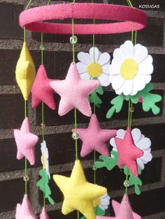 Felt mobile with flowers and starts. por Kosucas en Etsy