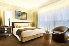 Hotel LKF by Rhombus in Lan Kwai Fong - Hotels.com - Hotel rooms with reviews. Discounts and Deals on 85,000 hotels worldwide
