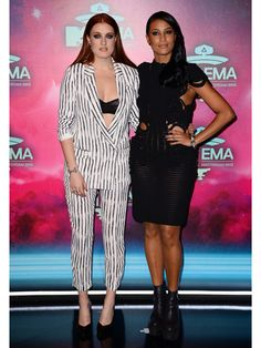 The Coolest Red Carpet Looks from the MTV European Music Awards Icona Pop, Mtv, Pop Fashion, Fashion Tips, Black And White Style, Red Carpet Looks, Celebs, Celebrities, Suits For Women