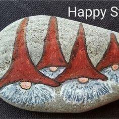 Risultati immagini per raggedy ann rock painting Pebble Painting, Pebble Art, Stone Painting, Stone Crafts, Rock Crafts, Christmas Rock, Christmas Crafts, Xmas, Art Rupestre