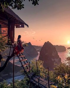 When it comes to bucket list travels, staying in a tree house is probably high on your list - go to this one in Bali! Bali Travel, New Travel, Travel Alone, Travel Goals, Travel Usa, Travel Kids, Budget Travel, Places To Travel, Places To Visit