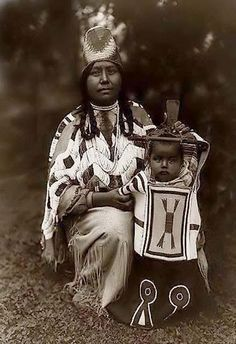 Cayuse Mother and Child. Photo taken in 1910 by Edward S. Curtis.