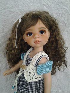 Всем доброго дня и отличного настроения)))Очень рада всем гостям))) Хочу показать новенькую куколку(ООАК Паола Рейна)… Знакомьтесь Арина. Писать много не