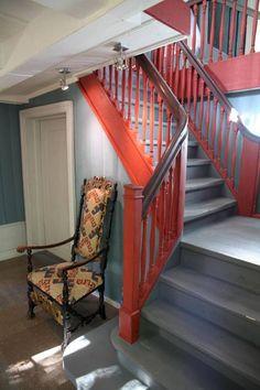 Drømmehuset fra 1838: - Det var fullstendig kaos da jeg kom inn, og midt oppi dette bodde vi - Aftenposten