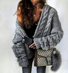 Chunky Wide Long Sleeve Knit Cardigan Source by cardigan outfit Cardigan Gris, Oversized Knit Cardigan, Oversized Sweaters, Boho Fashion, Fashion Outfits, Womens Fashion, Fashion Trends, Trending Fashion, Fashion 2016