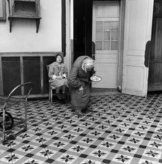 Jean-Philippe Charbonnier - Bons pour l´asile! Mental Asylum, Insane Asylum, Psychiatric Hospital, Abandoned Asylums, Jean Philippe, Vintage Medical, French Photographers, Dark Matter, Dark Ages