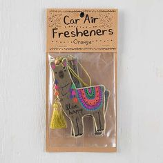 This Natural Life Air freshener features a llama with a fruity orange scent. Polo Lacoste, Alpacas, Cute Llama, Llama Llama, Funny Llama, Alpaca My Bags, Llama Gifts, Cute Car Accessories, Packaging