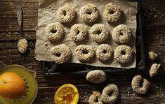Νηστίσιμα κουλουράκια με ελαιόλαδο και πορτοκάλι. Μπορείτε να χρησιμοποιήσετε ενα ελαιόλαδο αρωματισμένο με εσπεριδοειδή για περισσότερη γεύση και άρωμα!