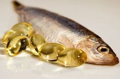 Sardines are small, oily fish which are rich in proteins and are commonly served in cans. Read to know what are the health benefits of Sardines you didn't know. Vitamin A Foods, Omega 3 Fish Oil, Diabetic Neuropathy, Healthiest Seafood, Pregnant Diet, Lose Belly Fat, Fett, Home Remedies, Benefit