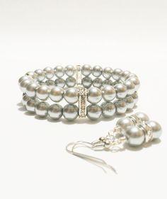 He encontrado este interesante anuncio de Etsy en https://www.etsy.com/es/listing/178034983/wedding-jewelry-silver-wedding-bracciale