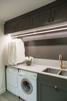 Modern Laundry Rooms, Laundry Room Layouts, Laundry Room Bathroom, Laundry Closet, Laundry Room Organization, Casa Hotel, Laundy Room, Laundry Room Inspiration, Laundry Room Design