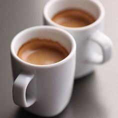 Difference Best Espresso Coffee and Drip Coffee - CoffeeLoverGuide But First Coffee, I Love Coffee, Coffee Break, My Coffee, Coffee Drinks, Coffee And Books, Coffee Art, Espresso Coffee, Black Coffee