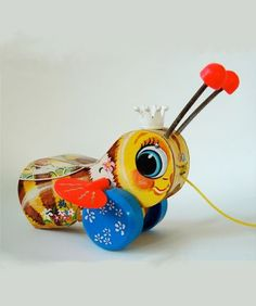 Vintage Fisher Price Busy Bee Pull Along | Niddle Noddle