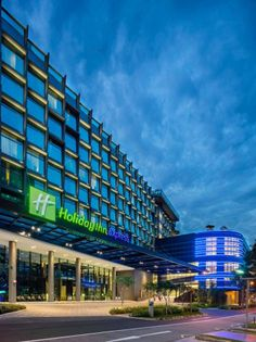 RSP design a hotel with an expressive facade Glass Facades, Light Architecture, Lighting Design, This Is Us, Hotels, Exterior, Building, Holiday