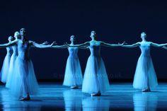 Boston Ballet in Serenade. Photograph : Cheryl Angear