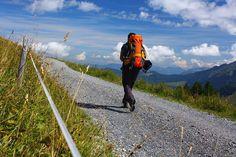 Dies ist ein Gastbeitrag von Erika. Erika schreibt auf www.ulligunde.com über Bergsport, Reisen und Fotografie. Ihr Gastbeitrag beleuchtet die Faszination der Einsamkeit beim Trekking allein als Frau.