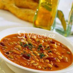 Recept na moc dobrou polévku z bílé fazole. Hash Brown Casserole, Egg Casserole, Sausage And Egg, Tortellini, Food 52, Chana Masala, Chili, Good Food, Food And Drink