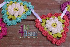 Crochet Pattern: Crochet Flower Triangle Garland by 4LilBeans