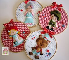 Frames that tell stories - Little Red Riding Hood - Big Bad Wolf / embroidery hoop art Felt Diy, Felt Crafts, Fabric Crafts, Diy And Crafts, Felt Fabric, Fabric Dolls, Embroidery Hoop Crafts, Felt Wreath, Felt Decorations