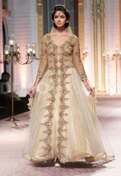Mandira Wirk em Aamby Valley Moda indiana Bridal Week 2013