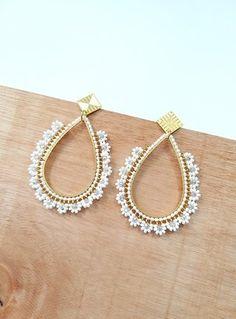 Jewelry Design Earrings, Bead Jewellery, Bead Earrings, Bridal Earrings, Beaded Jewelry, Handmade Jewelry, Beaded Bracelets, Simple Jewelry, Heart Jewelry
