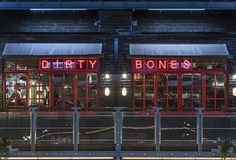 Dirty Bones Soho brings classy comfort food to Carnaby Street. Highlights include the Mac Daddy Burger and the Dirty Dog barbecue pulled pork. Barbecue Pulled Pork, Meat Restaurant, Carnaby Street, London Restaurants, London Life, London England, Where To Go, Soho, Trip Advisor