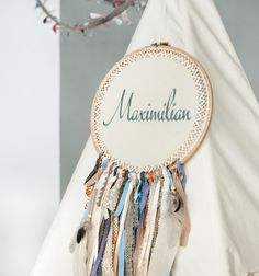 Kinderzimmer Dekoration: Tambour Stickerei mit individuellem Namen / cute decoration for nursery, embroidery with name, dreamcatcher made by Tipi-Zelt via DaWanda.com