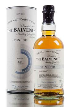 The return of Balvenie Tun..! Batch 2, we see a combination 32 casks - 23 traditional American oak barrels and 9 European sherry oak casks... Transferred and matured for several months in Tun 1509 which holds 4 times as much liquid as Tun 1401. Batch 2 has been bottled at higher strength of 50.3% vol.