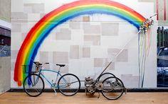 Durant la #PDW15, le Carrousel Du Louvre invitera cinq créateurs à investir l'ensemble de ses espaces le temps d'une exposition ! #design #designers #expo #rainbow #bike #louvre #paris