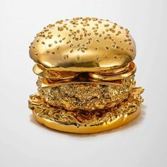 """Fast Company compiled a list restaurants looking to dethrone Five Guys Burgers Fries from the """"better burger"""" pedestal. BRANSCH artist Thomas Hannich photographed a golden hamburger created by modelmaker Arndt von Hoff especially for this photo shoot. Tapete Gold, Gold Everything, Or Noir, Gold Aesthetic, Aesthetic Photo, Stay Gold, Color Dorado, All That Glitters, Bling Bling"""
