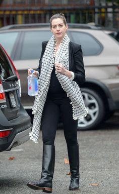 Anne Hathaway Out in LA, 12/22/15