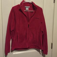 BASICALLY NEW COLUMBIA FLEECE Fleece jacket hardly worn Columbia Jackets & Coats