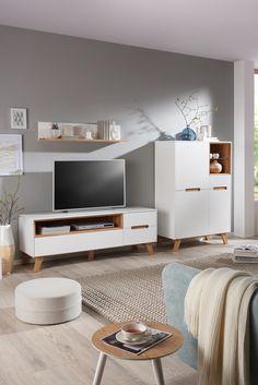 ... Wohnzimmer, Sticht Besonders Durch Seine Skandinavisch, Klassischen  Möbel Hervor Und Sorgt So Für Ein Modernes Ambiente. Neben Dem Stilvollen  Design ...