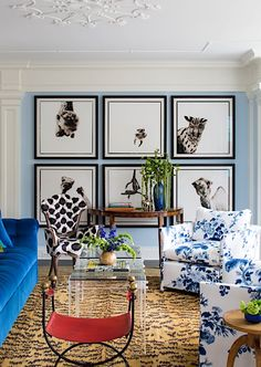A field guide to hanging art from decorator Lauren Liess Interior Decorating Tips, Interior Design, Decorating Ideas, Wall Spaces, Living Spaces, Living Rooms, Lauren Liess, Barbie Dream House, Eclectic Decor
