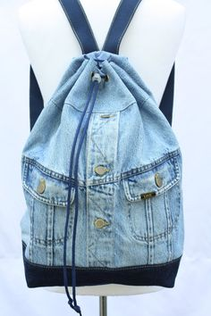 Denim backpack repurposed jean jacket big bucket drawstring bag vintage grunge backpack hipster upcycled recycled laptop sleeve - Jeans Jacket - Ideas of Jeans Jacket - denim backpack repurposed jean jacket big bucket drawstring Mochila Grunge, Vintage Hipster, Vintage Jeans, Vintage Grunge, Vintage Jacket, Upcycled Vintage, Mochila Jeans, Jean Diy, Couture Sac