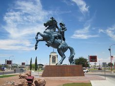The Don Juan de Oñate Monument In El Paso (John Sherrill Houser)