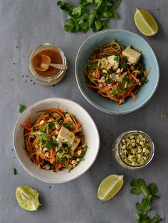 Pad Thai de curgete e cenoura (vegan, sem glúten)