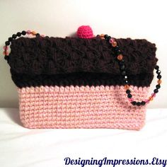 Pretty pretty please? With a cherry on top? Crocheted purse that looks like a chocolate cupcake. How cool is that? #ibhandmade $28.00