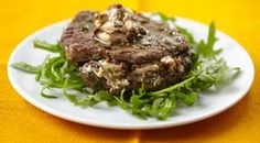 Open steak met wilde paddenstoelenboter