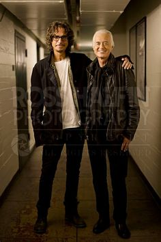 Chris Cornell (Soundgarden) and Jimmy Page in Los Angeles, United States, Nov. Photo by Ross Halfin photography. Music Love, Music Is Life, Rock Music, The Band, John Bonham, John Paul Jones, Jimmy Page, Chris Cornell, Robert Plant
