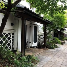 Japanese Buildings, Garage Doors, Outdoor Decor, Home Decor, Decoration Home, Room Decor, Home Interior Design, Carriage Doors, Home Decoration