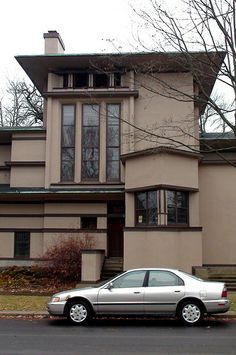 William G. Fricke House.  Frank Lloyd Wright. 1902. Oak Park, Illinois. Prairie Style..