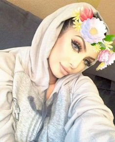 Faryal Makhdoom, Prettiest Actresses, Bridal Makeup, Head Wraps, Hijab Fashion, Face Products, Hijab Styles, Pretty, Photography