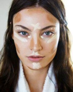 Para afinar as bochechas: blsh sem brilho e corretivo nos lugares certos! #maquiagem #truque #make #mulher #beleza