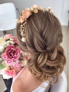Elstile Long Wedding Hairstyle Ideas 15 / http://www.deerpearlflowers.com/26-perfect-wedding-hairstyles-with-glam/3/