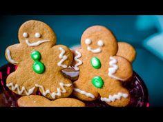 Μπισκότα με τζίντζερ (Gingerbread cookies) | magiacook Christmas Art, Xmas, Bon Appetit, Gingerbread Cookies, Biscuits, Desserts, Food, Pepper, Salt